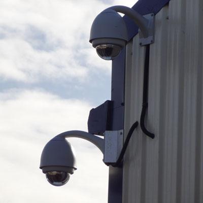 دوربین_مداربسته_گردان,دوربین مداربسته گردان,تصویر دو دوربین مداربسته گردان