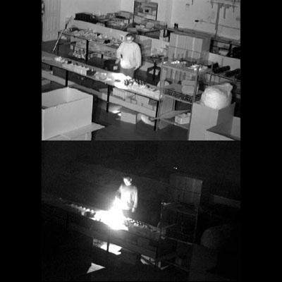 دوربین_دید_در_نور_کم,دوربین مداربسته دید در شب,مقایسه تصویر یک دوربین عادی و یک دوربین دید در نور کم